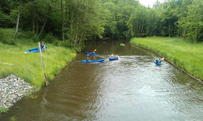 10. Spływ kajakiem. Wodowanie Osówko rzeka Parsęta
